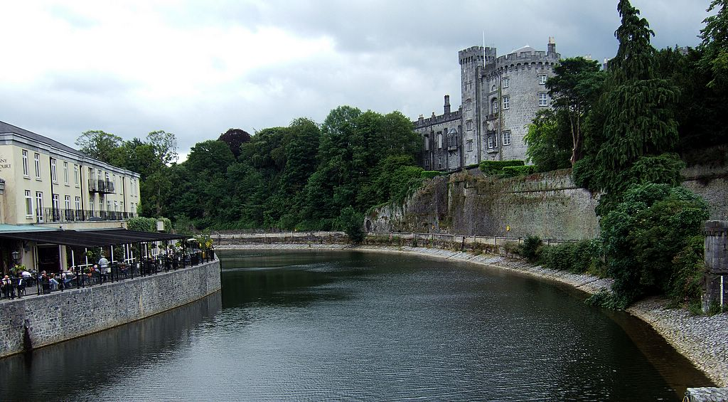 kilkenny_castle_from_river